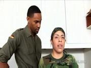 imagen Dos militares follando