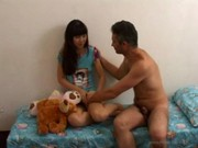 imagen Padre borracho se folla a su hija por primera vez