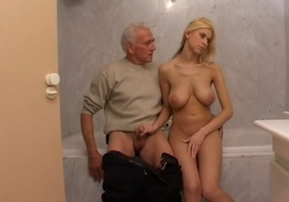 Video porno con el viejo