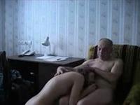 imagen Padre tiene sexo con su hija adolescente