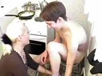 imagen Follada incestuosa de una milf y su hijo