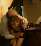 imagen Abuelo violando a su nieta