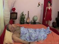imagen Padre enfermo torturado sexualmente por su hija