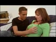 imagen Milf follando con su hijo adolescente