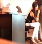 imagen Secretaria cachonda mamándosela a su jefe