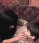 imagen Mama desvirga a su hijo pequeño