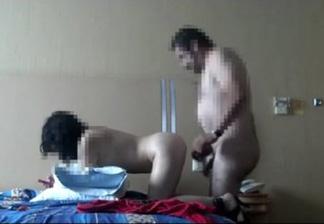 Esposa atada mientras otras mujer folla con su marido