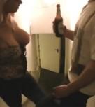 imagen Madura sexy follada por su vecino borracho