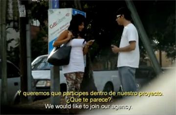 pilladas en la calle por dinero