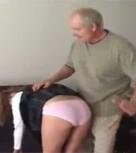 imagen Azotes en el culo y abusos sexuales a su hija