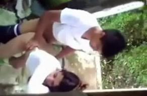 imagen Sexo en el patio, se follan a su hermana y lo graba