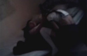 imagen Vídeo de sexo entre hermanos grabado por la madre, les da instrucciones!