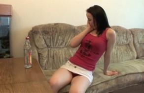 imagen Adolescente borracha abusada sexualmente por su padre