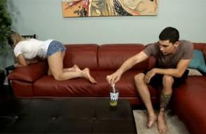 imagen Adolescente droga a su madre para violarla