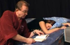 imagen Hija escribe en su diario que quiere follar con su padre