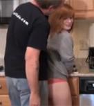 imagen Padre hace de su hija un juguete sexual en la cocina