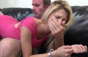 imagen Padre cogiendo a la borracha de su hija