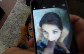 imagen Hermana adolescente aprende a saborear la polla de su hermanito