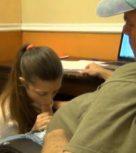 imagen Padre inicia a su hija en el sexo incesto