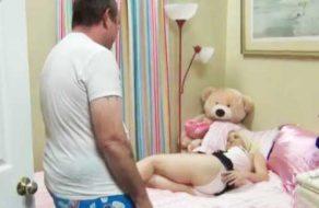 imagen Hija sodomizada analmente por su padre