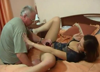 Viejo video sexo joven
