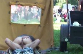 imagen Pareja borracha pillada follando en festival de musica