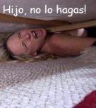 imagen Su hijo la viola mientras esta atascada debajo de la cama