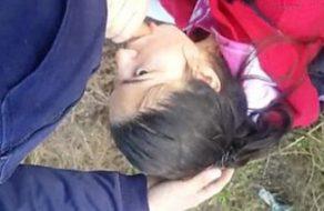 imagen Turra peteando despues del colegio
