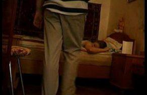 imagen Papa vuelve de trabajar y se folla a su hija