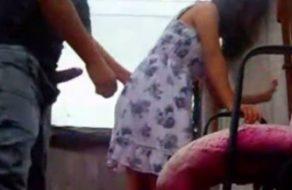 imagen Colegiala peruana cogida a cuatro en la azotea