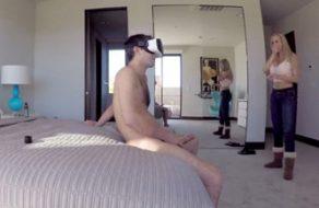 imagen Madre sorprende a su hijo masturbandose con las gafas de realidad virtual