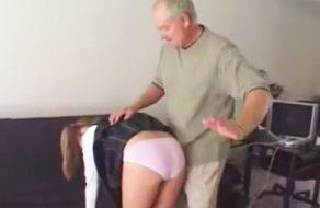 imagen Viejo verde abusa sexualmente de su hija