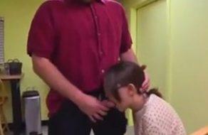 imagen Padre viola a su hija por ser una niña muyyyy mala