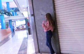 imagen Española de 18 años pillada en centro comercial folla por dinero