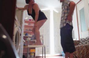 imagen Madurita española graba con cámara oculta como se folla al vecino