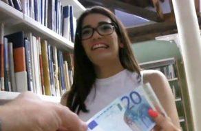 imagen Universitaria española folla por dinero con un desconocido