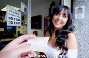 imagen Zorrita española se deja sobar las tetas por dinero y acaba follando