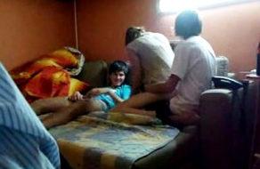 imagen Putita universitaria en su primer trío de sexo con dos compañeros