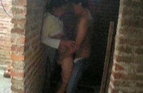 imagen Tío coge con su sobrina y el amigo los graba (incesto)