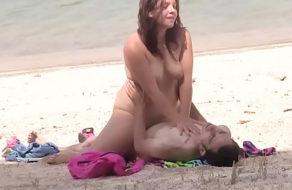 imagen Sexo en una playa nudista con un desconocido (español)