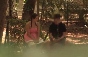 imagen Jovencita española busca alguien que la folle en el Retiro