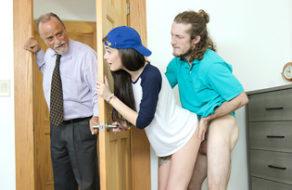 imagen Zorrita demuestra a su hermano que no es lesbiana (incesto)