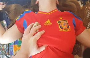 imagen Putita futbolera follando para traer suerte a España en el mundial