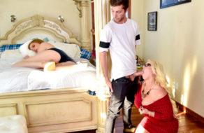 imagen Madre puta folla con su hijo y la novia se excita (incesto)