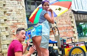 imagen Vendedora de mazamorra colombiana rueda un vídeo porno