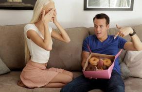 imagen Engaña a su hermana para que le coma la verga (incesto)