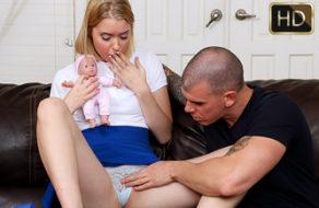imagen Padre le enseña a su hija todos los secretos del sexo (incesto)