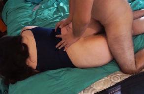 imagen Chilena con el culo gordo recibe la leche en sus nalgotas