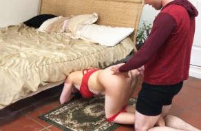 imagen Hijo viola a su madre debajo de la cama (incesto)