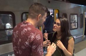 imagen Cogiendo duro con una argentina pillada en el Metro